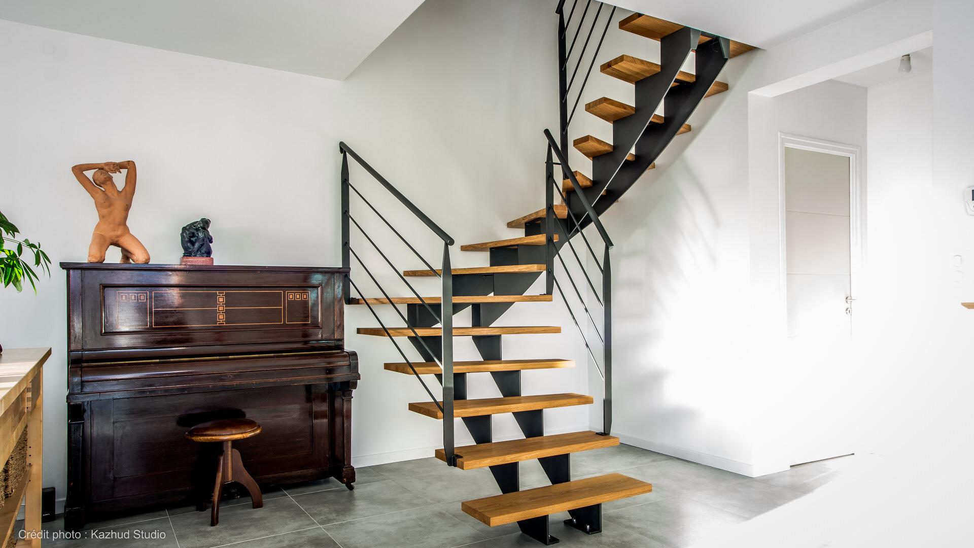 novimetal-style-escalier-limons-au-tiers-1